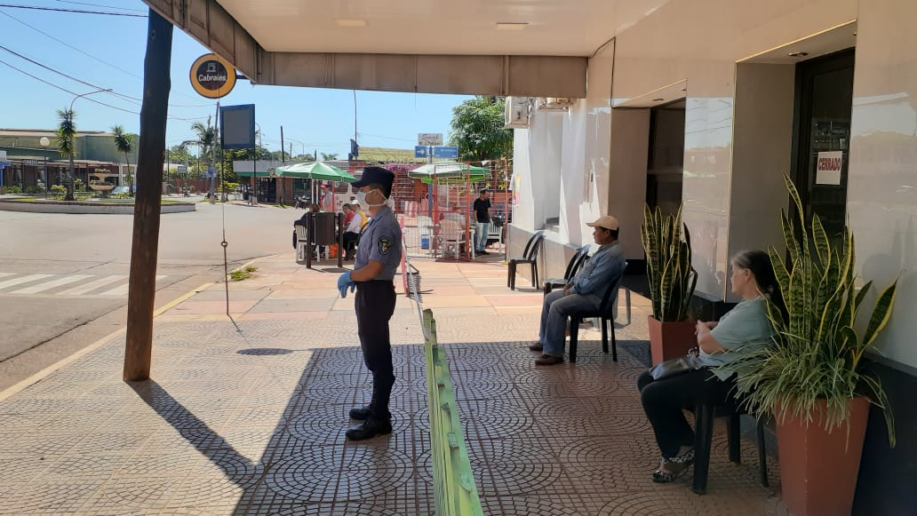 Coronavirus: luego de un viernes con hacinamiento frente a los bancos, en Misiones este sábado reinó el orden gracias a esfuerzos conjugados