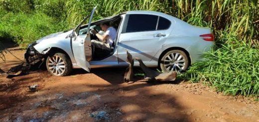 Accidente en Eldorado: un sexagenario dijo que se descompensó y volcó su auto en una avenida