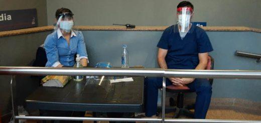 Héroes cotidianos: ellos cuidan el ingreso a la guardia de un sanatorio céntrico