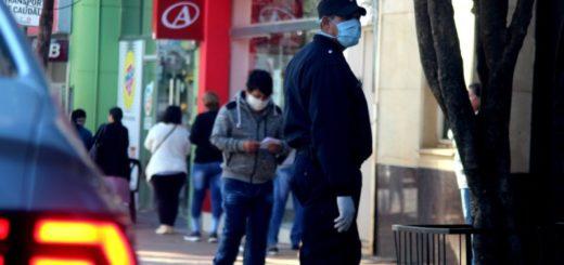Coronavirus: el gobernador Oscar Herrera Ahuad decretó el uso obligatorio de protectores nasales y bucales en lugares públicos