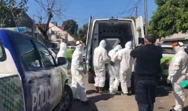 Escupió a los policías que lo detuvieron y no avisó que su abuela tiene coronavirus, ahora nueve policías están en aislamiento