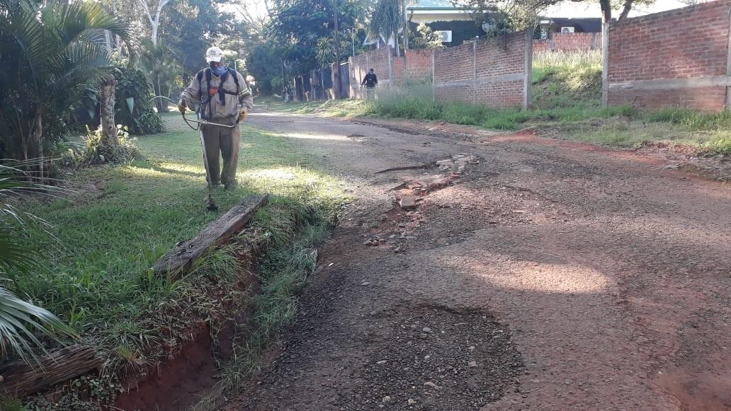 Posadas: equipos municipales concretaron operativos de limpieza en la ciudad