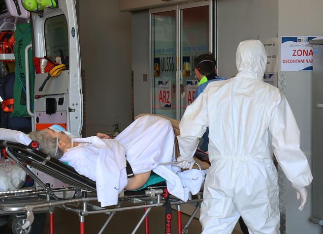 Coronavirus: Reino Unido registró casi mil muertos en un solo día