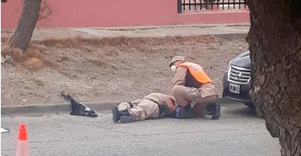 Santa Cruz: un joven intentó evadir un control por la cuarentena, mató a quemarropa a un prefecto y fue abatido por la policía
