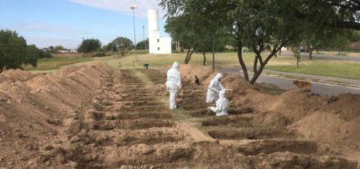 Coronavirus: cavan cientos de fosas en un cementerio de Córdoba para anticiparse a la pandemia