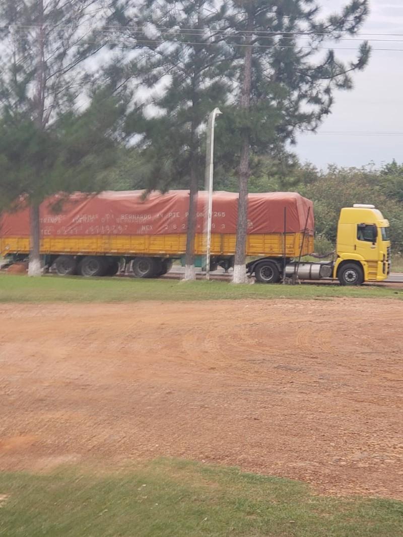 Héroes cotidianos: frente a la pandemia, un hombre ofrece en Santo Tomé comida gratis y ducha con agua caliente a los camioneros