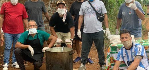 Héroes cotidianos: el equipo de fútbol del Tiro Federal entrega 300 platos de comida y continúan juntando ropa para los más necesitados