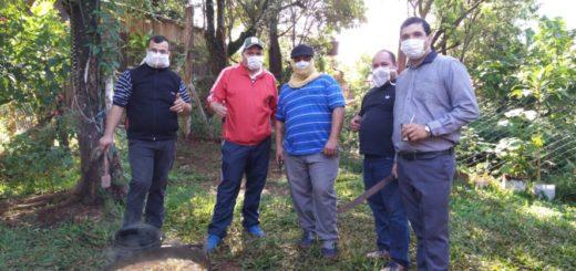 Héroes cotidianos: un grupo de choferes y boleteros unieron fuerzas y distribuyen diariamente más de 100 porciones de comida para los barrios carenciados de Puerto Iguazú
