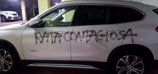 """Ataque a una médica en Barcelona: le escribieron con aerosol """"rata contagiosa"""" en el auto"""