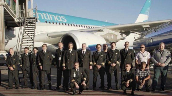 El emotivo audio entre los pilotos de Aerolíneas Argentinas y la torre de control antes de partir rumbo a China