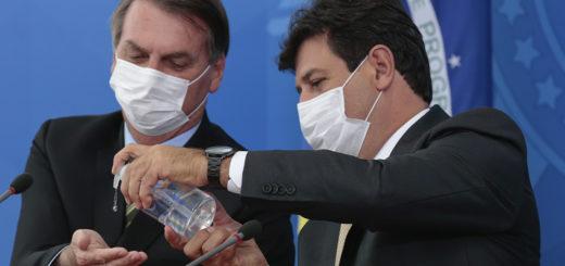 Bolsonaro echó al ministro de Salud de Brasil y en medio de cacerolazos anunció al funcionario que asumirá el cargo