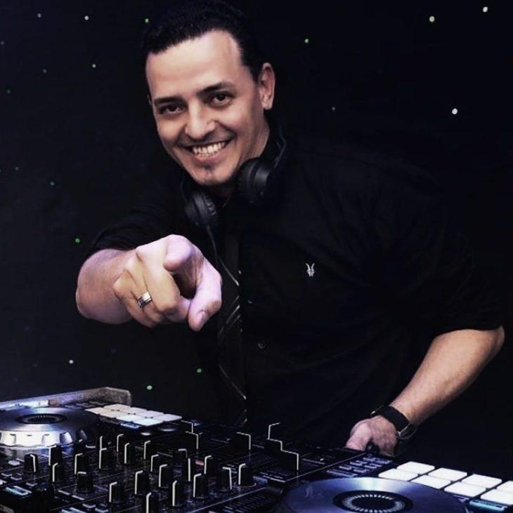 El DJ Guillermo Atencio encendió las redes sociales y emisoras de radio de tres países con su transmisión en vivo bajo el lema #ABailarDesdeCasa