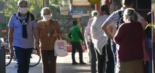 Coronavirus: con barbijos y respetando la distancia, así funcionaron los nuevos comercios habilitados en Posadas