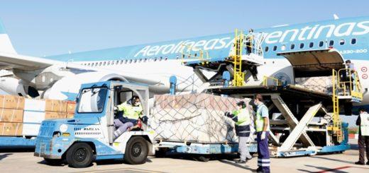 Coronavirus: llegó al país el segundo vuelo de Aerolíneas Argentinas con insumos sanitarios desde China