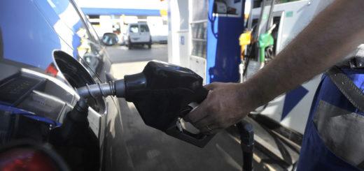 Coronavirus: para la Cámara de Estacioneros el precio del combustible no bajaría, aunque el barril haya cotizado en negativo