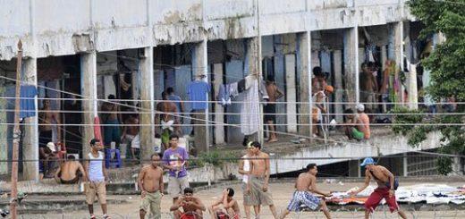 """Un informe revela que en los centros de reclusión del régimen de Maduro se aplica """"represión selectiva de personas ligadas al medio militar"""""""