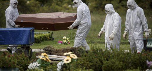 Coronavirus: sin autopsia, en una bolsa y con breves despedidas, la solitaria ruta que sigue el cuerpo de un fallecido por covid-19