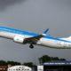 Llegan dos vuelos desde Madrid con 400 argentinos varados en España, entre ellos Urtubey y su esposa Isabel Macedo