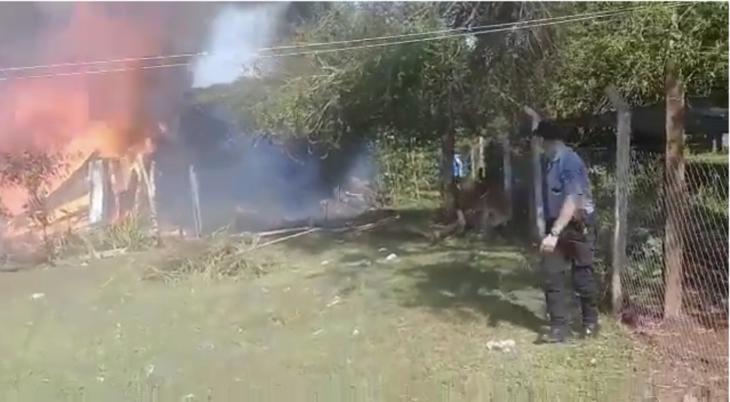 Ruiz de Montoya: un heroico accionar de la policía evitó que un perro muera en un incendio