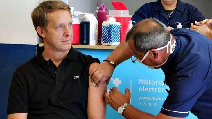 Coronavirus: el titular del IPS, Lisandro Benmaor, aconsejó vacunarse contra la gripe para evitar mayores complicaciones frente a la pandemia