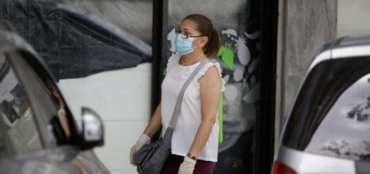Coronavirus: médico recomendó que el barbijo también se use dentro de los hogares