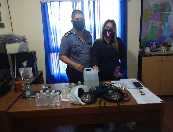 Héroes cotidianos: vecina de Posadas donó barbijos y otros insumos, al personal de la Comisaría 15°
