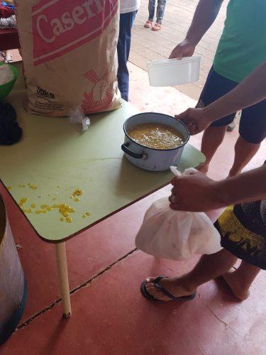 Héroes cotidianos: un grupo de amigos entregó más de 200 porciones de locro para las familias más carenciadas de Posadas
