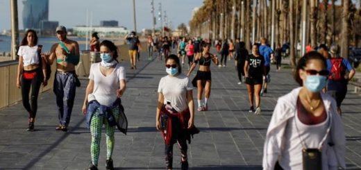 Coronavirus: en España autorizaron las salidas con restricción horaria y durante el primer día las calles se llenaron de runners