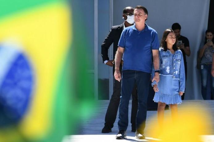 Brasil: Bolsonaro sigue su arenga anti-cuarentena y el país llegó a 100 mil contagios