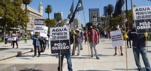 Agrupaciones de izquierda realizaron la primera movilización en cuarentena, con barbijos y respetando el metro de distancia
