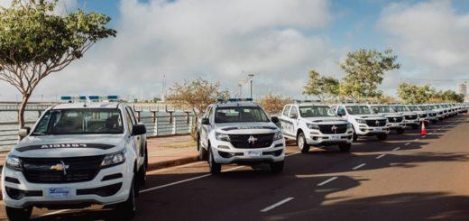 Entregaron 31 camionetas y 2 autobombas nuevas para la Policía de Misiones