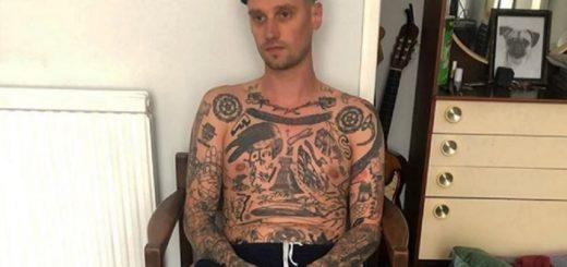 Se hizo un tatuaje por día desde que comenzó la cuarentena
