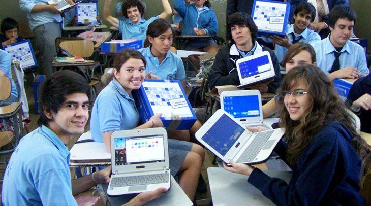 El gobierno nacional avanza en un nuevo programa nacional de conectividad y distribución de computadoras a estudiantes