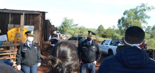 Campaña Solidaria: policías entregaron donaciones en barrios carenciados de Posadas