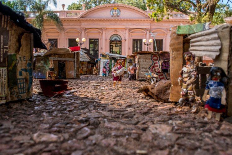 """Coronavirus: la asociación de artistas visuales de Misiones apostó por el """"delivery de arte"""" para paliar los efectos del parate económico"""