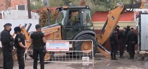 Obreros encontraron un feto cuando realizaban una excavación en la vereda