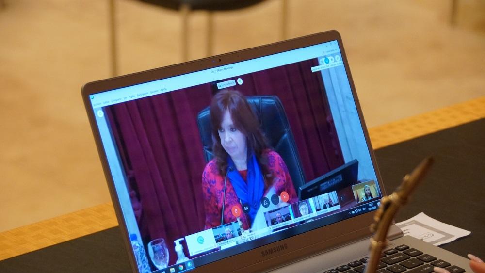 Maggie Solari participó desde el Parlamento Misionero de la primera sesión remota del Senado de la Nación