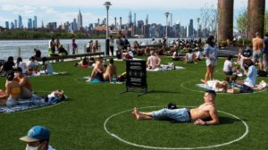 "Nueva York: ""Plazas de estacionamiento humanas"" para prevenir el coronavirus"