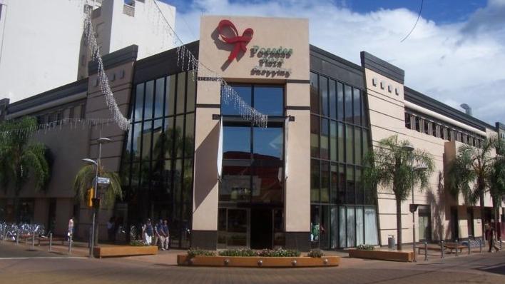 Hoy abrió sus puertas el shopping y mañana lo hará el paseo de compras del Hiper Libertad