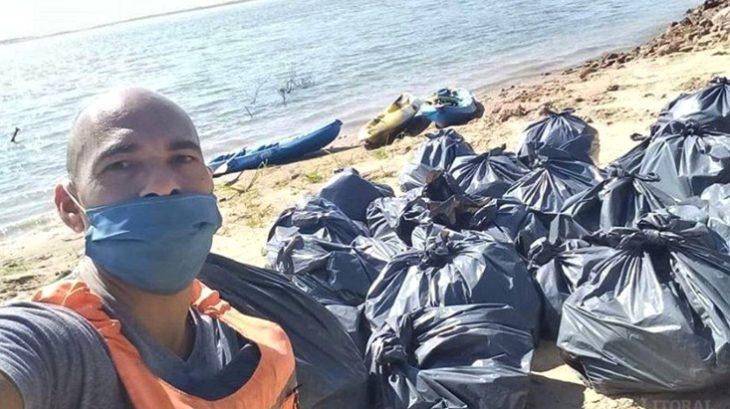 Bajante del Paraná: vecinos de Corrientes limpiaron la basura que quedó al descubierto en el río tras la falta de agua