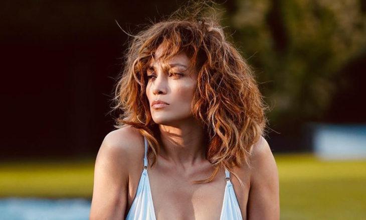 La aterradora aparición en una selfie de Jennifer Lopez que es furor en las redes