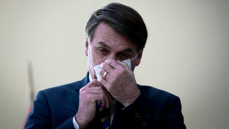 Sin aval médico y con un militar en Salud, Bolsonaro impone el uso de cloroquina en pacientes con coronavirus