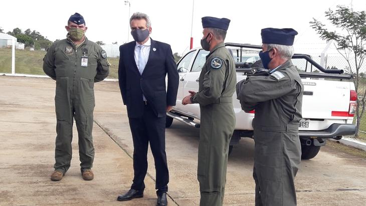 El Ministro de Defensa de la Nación visitó el Escuadrón de Vigilancia y Control Aeroespacial de Posadas
