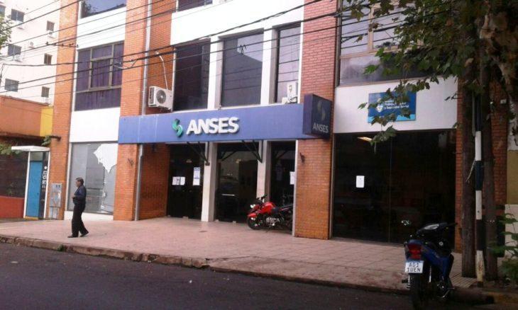 La Anses de Posadas pedirá que la Justicia informe si los destinatarios del dinero que llevaban los aduaneros son residentes paraguayos que cobran planes de manera ilegal