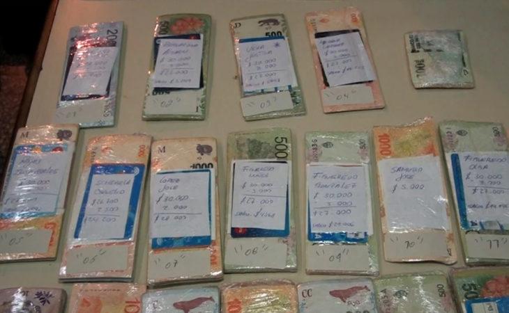 Estiman que los aduaneros que hacían delivery de dinero a beneficiarios de planes y jubilaciones residentes en Paraguay se quedaban con entre 50 y 100 mil pesos por cada viaje