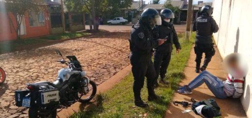 Detienen a dos jóvenes, secuestran una moto y varios objetos robados en Posadas