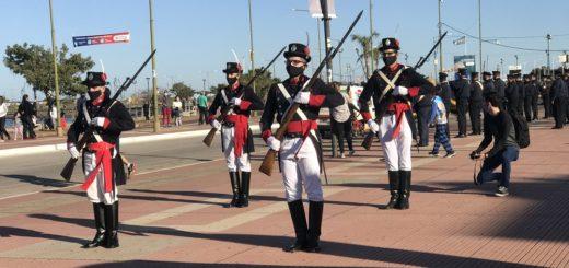 La banda de música de la Policía de Misiones celebró el 210 Aniversario de la Revolución de Mayo con un desfile sobre la Costanera de Posadas