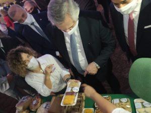 En su visita a Misiones, el presidente Alberto Fernández degustó los productos de la Agricultura Familiar