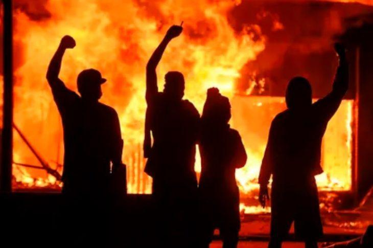 Disturbios en EEUU por el asesinato de un manifestante en Detroit y un policía en Oakland