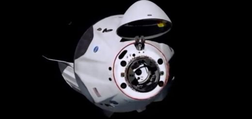 La primera misión espacial tripulada privada de EEUU se acopló con éxito a la EEI